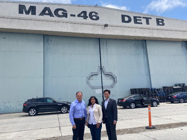 Dignitaries in front of the Great Park hangar in Irvine, CA, proposed new home of the Flying Leatherneck Aviation Museum
